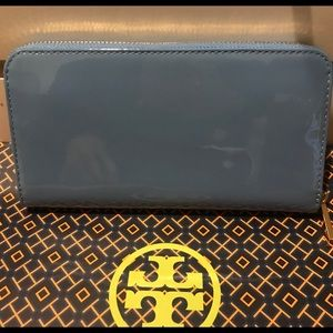 Tory Burch Bags - Tory Burch Stacked patent zip continental wallet